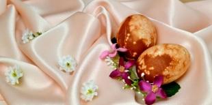 Как украсить пасхальные яйца с помощью пшена