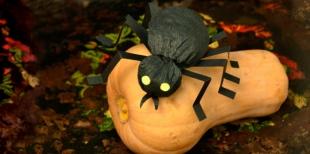 Как сделать объемного паука из креповой бумаги на Хэллоуин