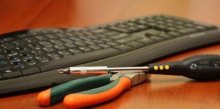 Как заменить провод на клавиатуре