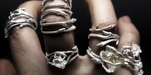 Модные модели серебряных колец