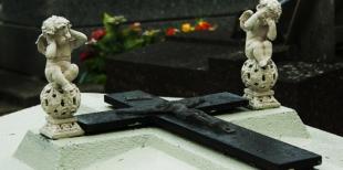 На что следует обратить при покупке памятника из гранита от Данила-мастера