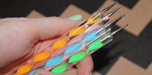 Дотс для ногтей